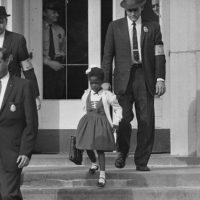 Ruby Bridges, une icône de la ségrégation scolaire aux  États-Unis.